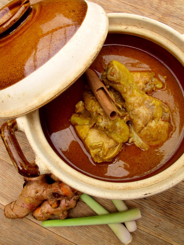 Kari Kapitan (Nyonya Chicken Curry)