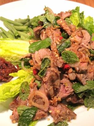Thai Waterfall Beef Salad (Neua Naam Tok) น้ำตกเนื้อ